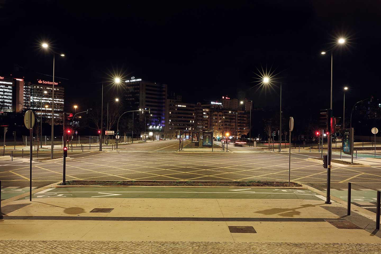 Smart lighting system improves safety at Praça de Espanha ...